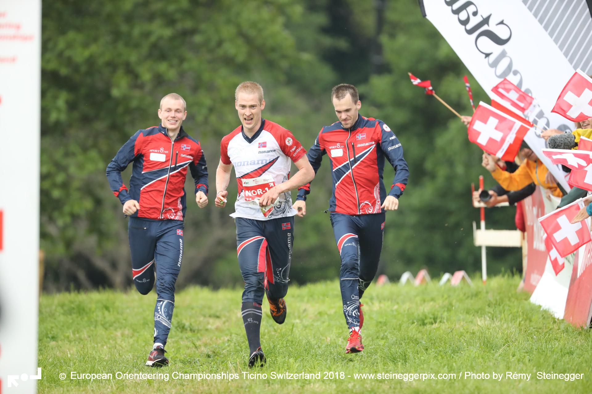 Swiss women and Norwegian men win relay gold